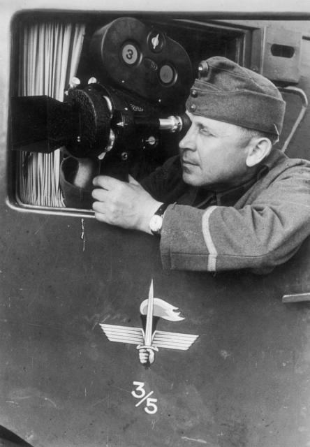 Vengerskiy_kinooperator_1942.jpg